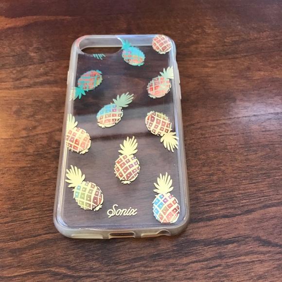 Gold pineapple phone case